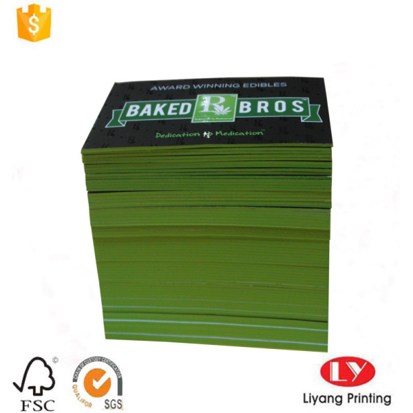 Delicate business card printing with green edge