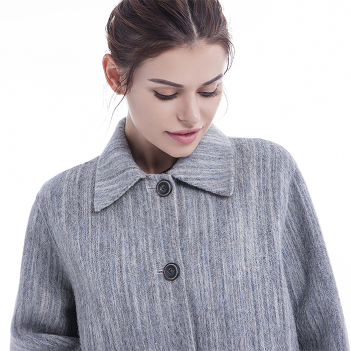 Fashionable light grey cashmere coat collar