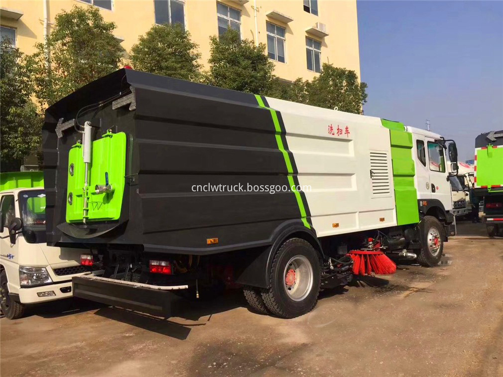 vacuum road sweeper truck 5