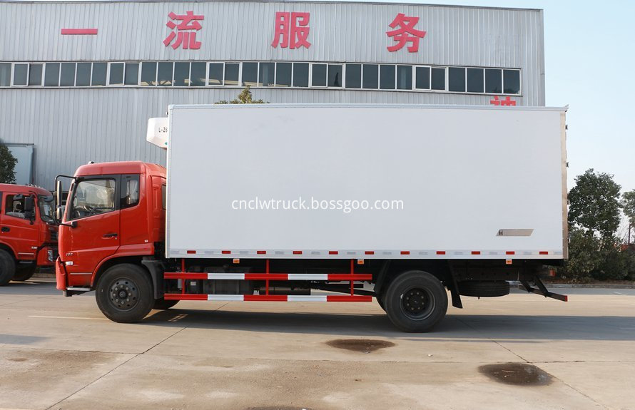 dongfeng 4x2 cargo truck 1