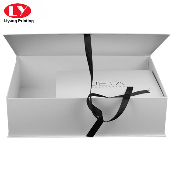 Large ribbon magnet apparel box
