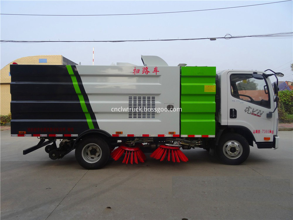 road sweeper truck for sale 3
