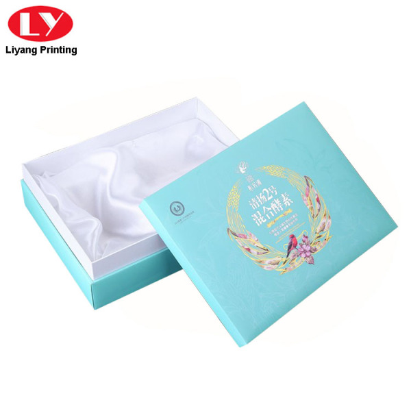 Paper Boxes Packaging Cosmetic Box with Satin Insert