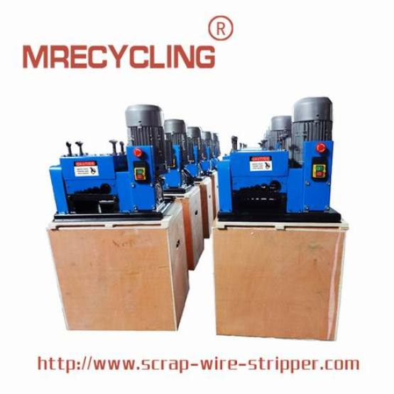 cable stripping device