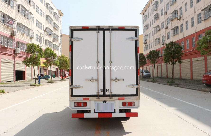 2 ton freezer refrigerated truck 3