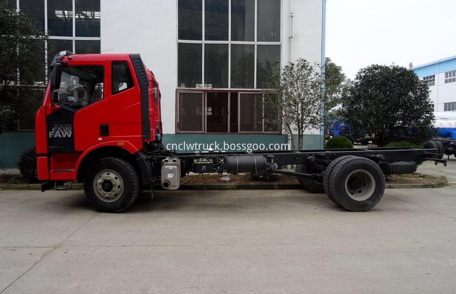 12000 liter water truck chassis 2