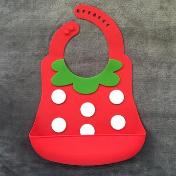 Waterproof silicone baby bibs belly pockets