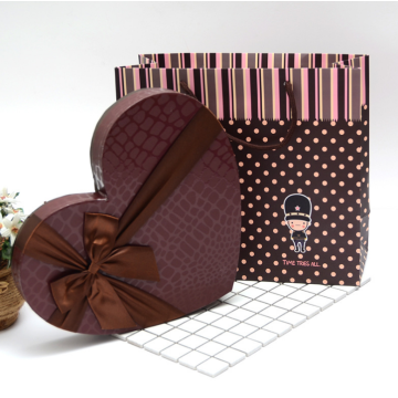 Heart shaped chocolate gift packaging boxes