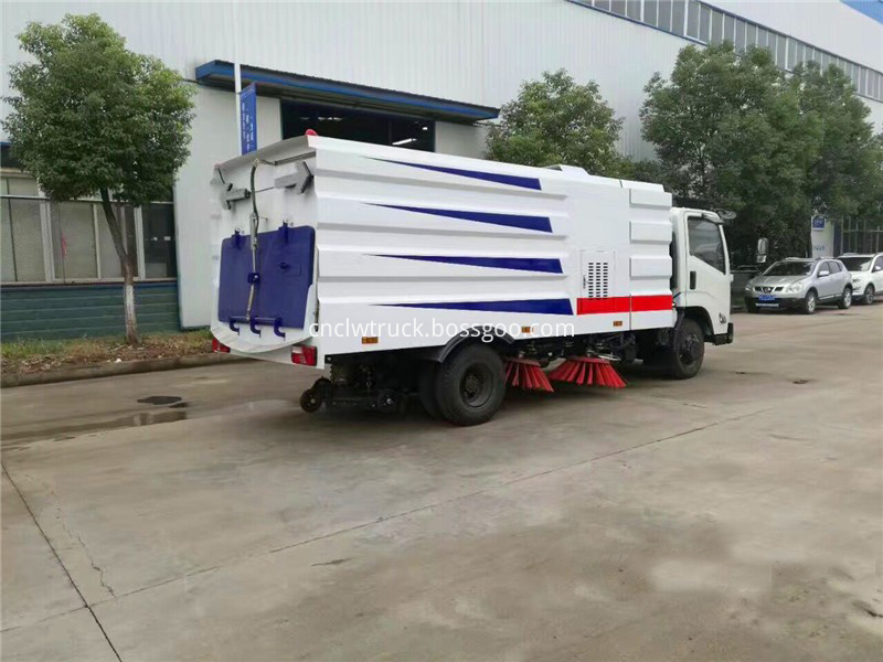 truck mounted street sweeper 5