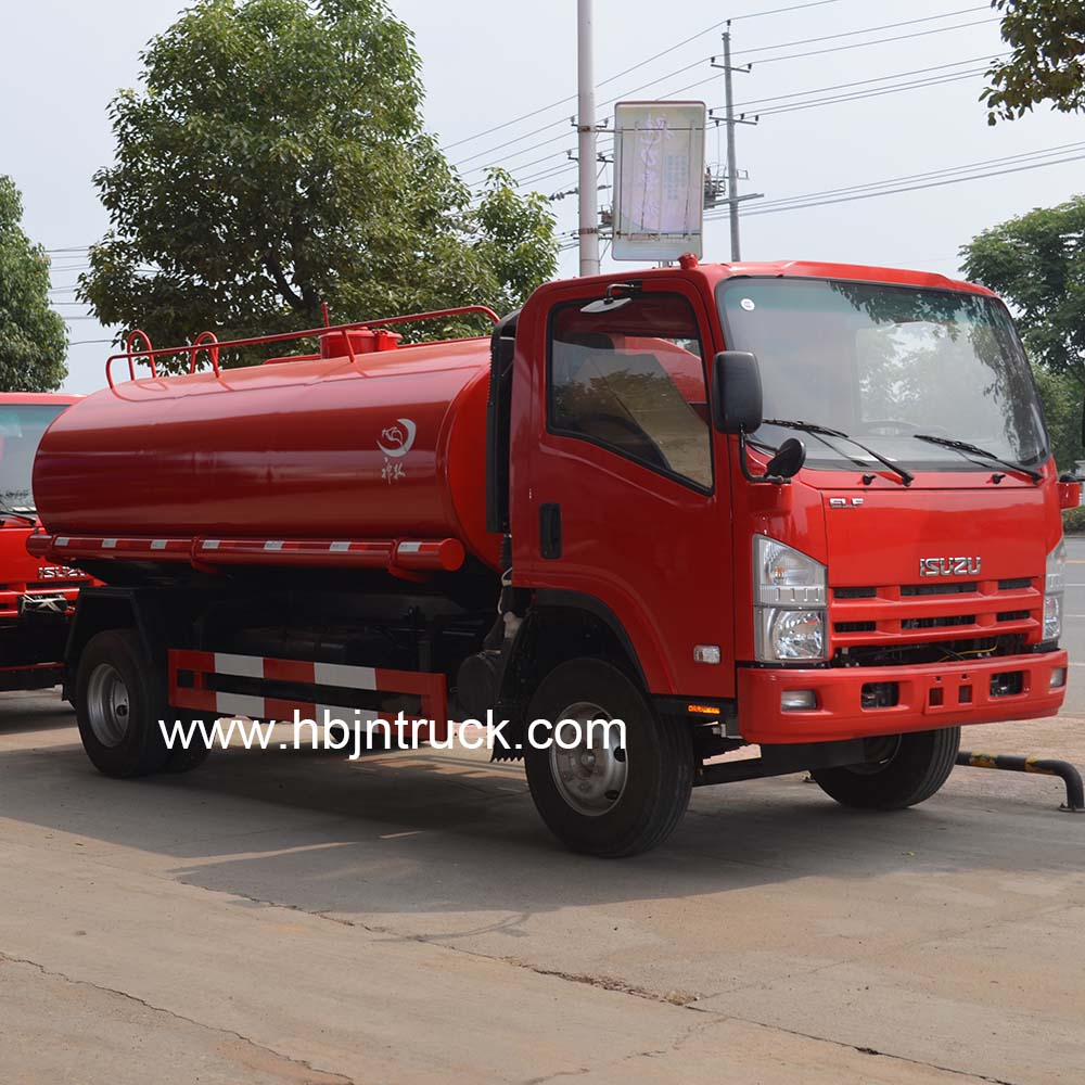 Isuzu oil transport truck