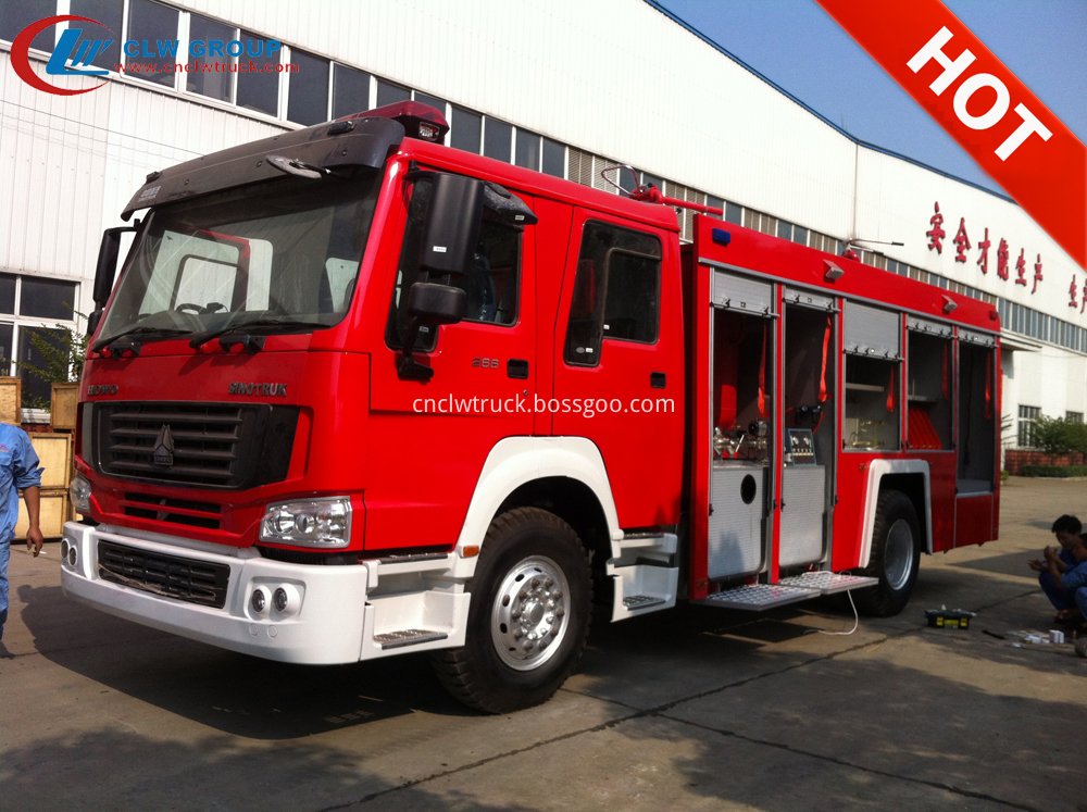 powder fire fighting truck