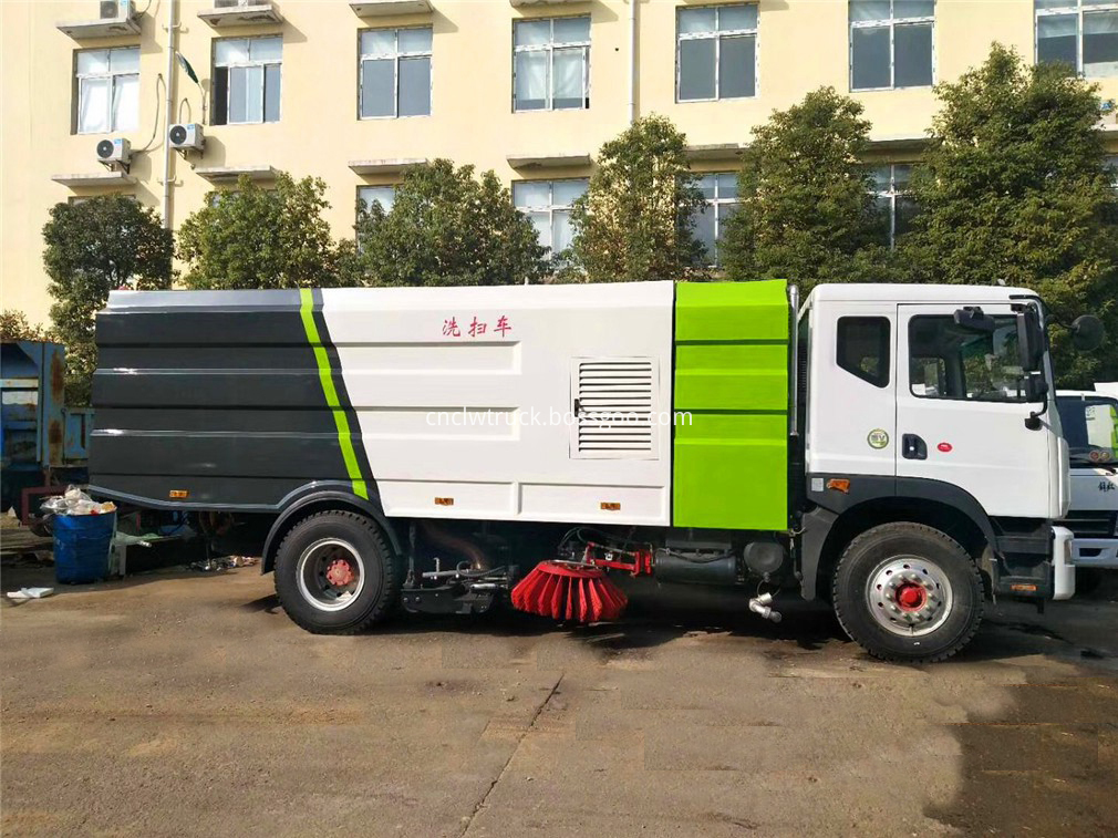 vacuum road sweeper truck 3