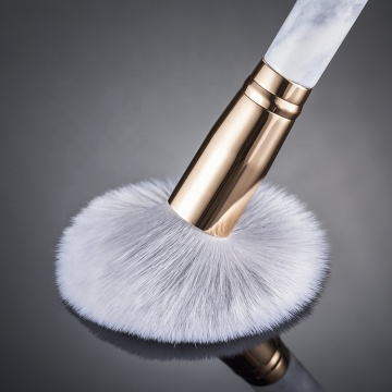 Silky-soft two-tone Synthetic Bristles