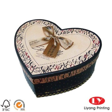 Custom-made paper gift heart shaped chocolate box