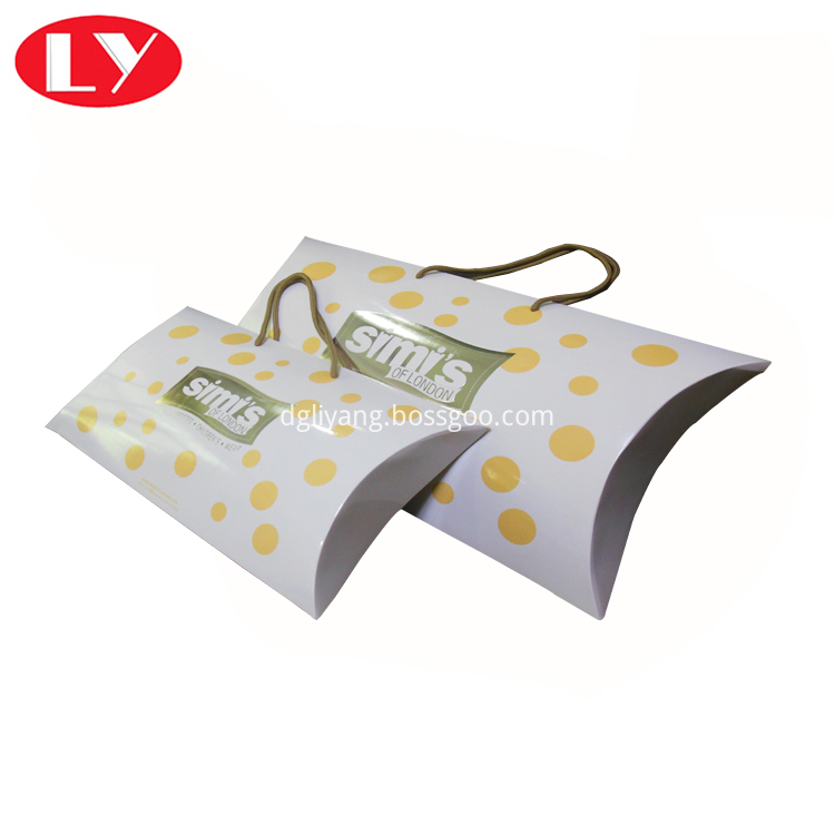 Pillow Box With Handle3