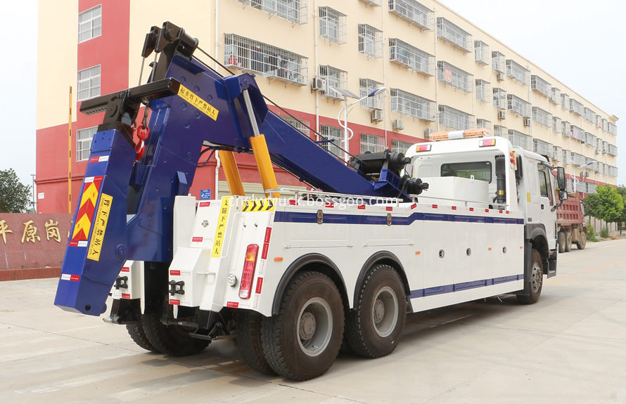 howo heavy duty towing truck 4