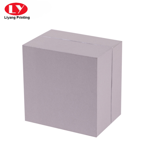 Square cardboard small ring box