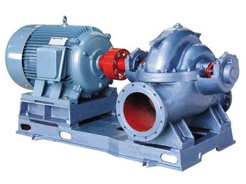 Horizontal foam pump