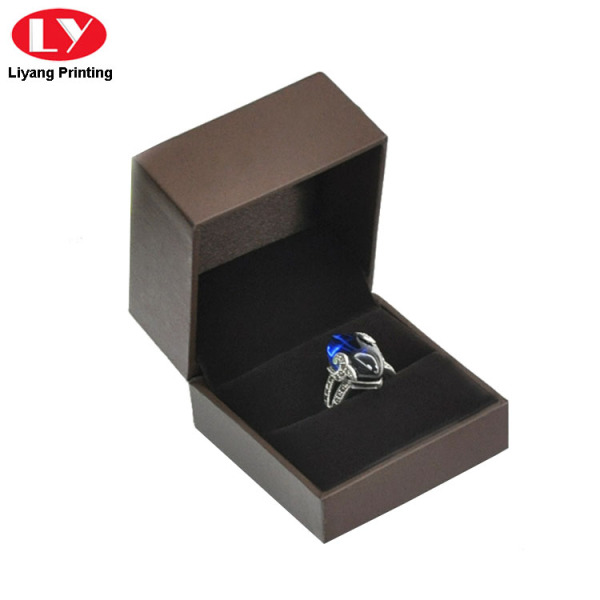 Luxury Plastic Ring Gift Boxes