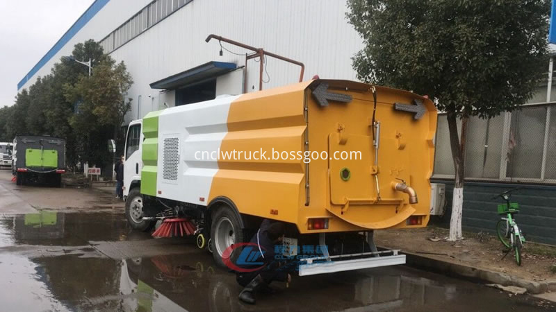 truck mounted vacuum sweeper 3