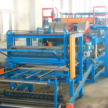 Hot sale 60kw sandwich panel forming machine