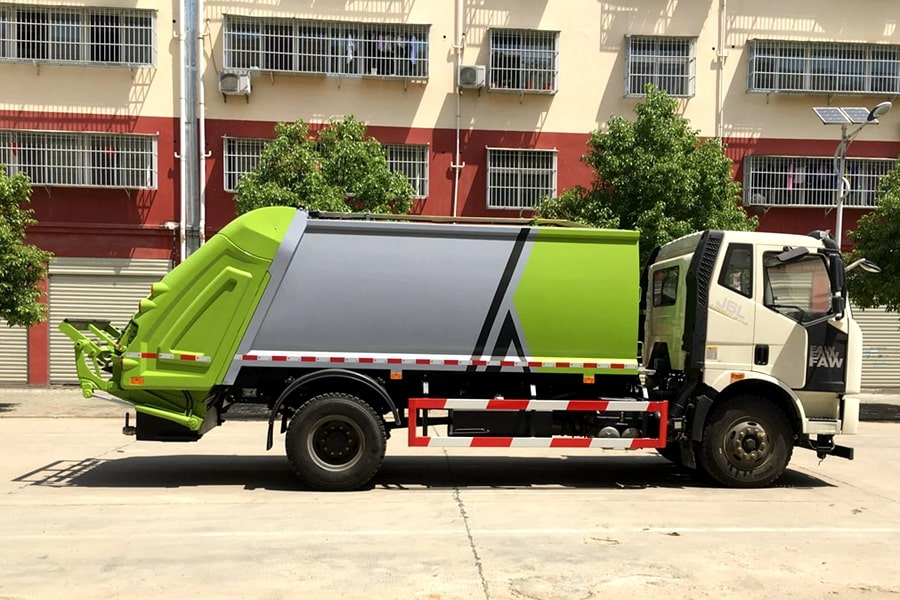 Waste Industries Truck Manufacturer